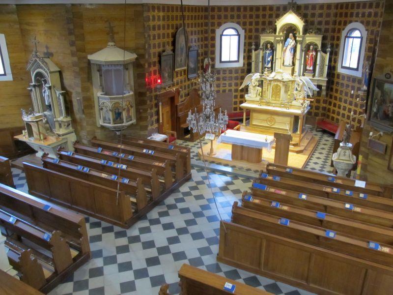 pohled-na-interier-kostela